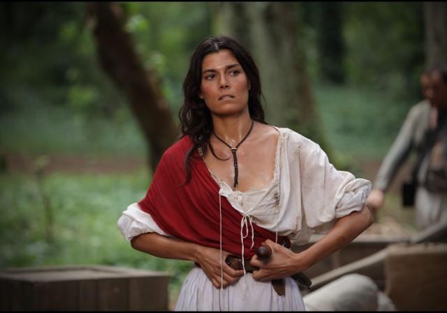 """""""ANITA"""" BATTE FLORIS, MA NON SVETTA. """"LA MATASSA"""" DI CANALE 5 NON SI SBROGLIA"""