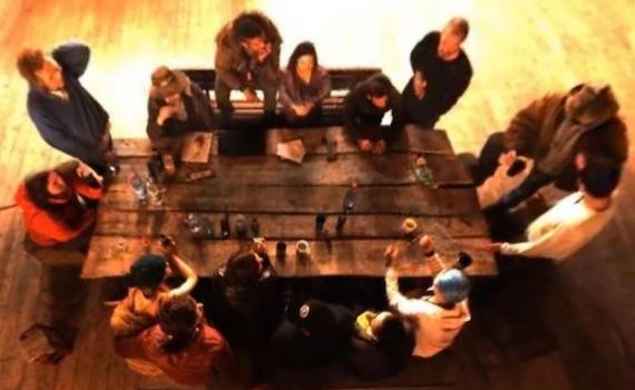 """Germania: un producer scoperto sul set di """"Utopia"""" a dare suggerimenti ai concorrenti"""
