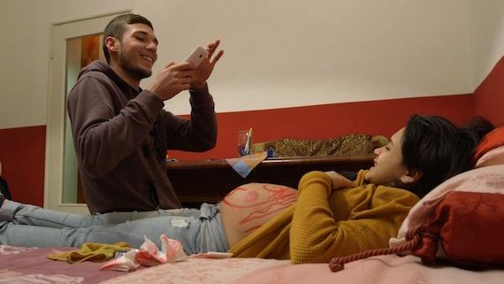 """""""Coppie in attesa"""": su Rai 2 viaggio nell'Italia che ancora vuole avere figli"""
