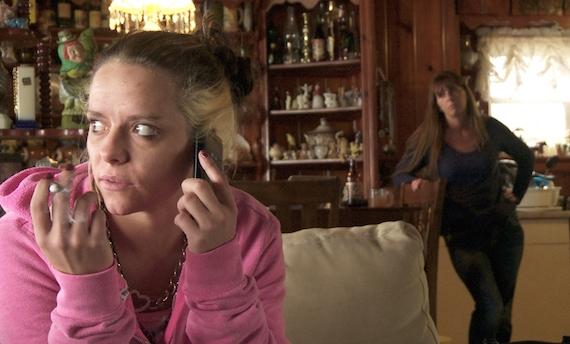 """""""Vite drogate 2"""": alcolismo, anoressia, bulimia e droghe. Ecco l'inferno dei ragazzi"""