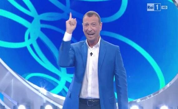 "Ascolti Tv: ""Reazione a catena Extra"" 4,3 milioni, ""Il segreto"" 4,1, ""N.C.I.S."" 2,2. Gp F1 28%, cala ""Miss Italia"""