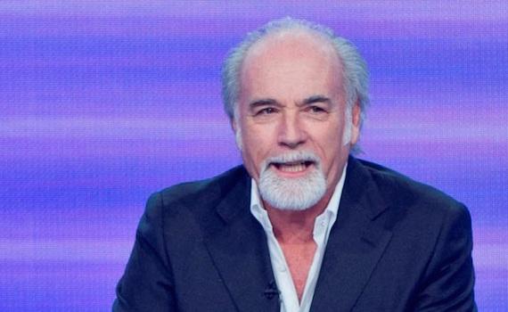"""""""Striscia la notizia"""" vs Mediaset, Ricci butta acqua sul fuoco: """"Abbiamo finito prima per un inconveniente"""""""