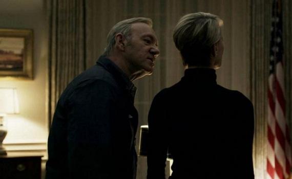 """Ascolti Tv: Chelsea-PSG 1,9% su Premium. """"House of Cards"""" riparte da 140mila su Sky Atlantic. Tra le free prevale Iris"""