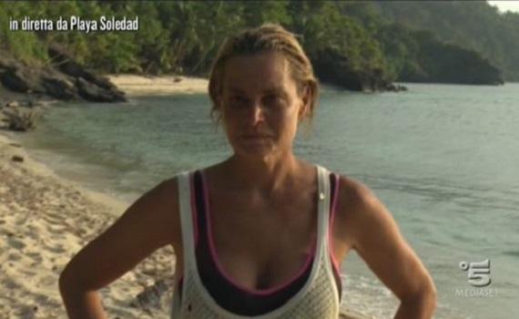 Simona Ventura eliminata dall'Isola: iniziato il tiro al piccione