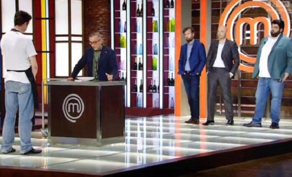 Ascolti Tv 12 gennaio digital e pay: MasterChef al 6,5% eliminando Alain. Rai4 vola con Riddick
