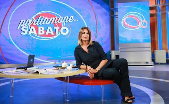 Parliamone Sabato: ormai è guerra fra Paola Perego e la Rai