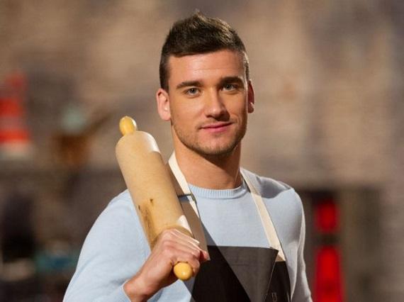 Video – Chi è Damiano Carrara, nuovo giudice di Bake Off Italia
