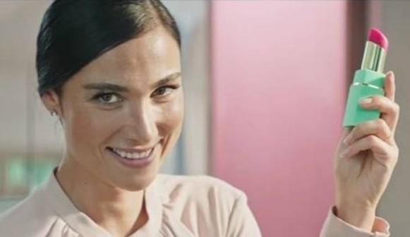 In tv cade un tabù per le donne: spot di vibratori
