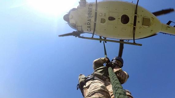 Lo squadrone – Dispacci dalla guerra di 'ndrangheta su Rai 2: parla Claudio Camarca, autore e regista