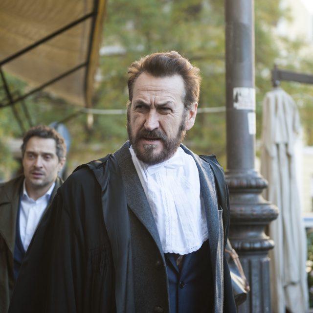 Venerdì su Netflix il primo film originale italiano con Marco Giallini e Claudio Santamaria