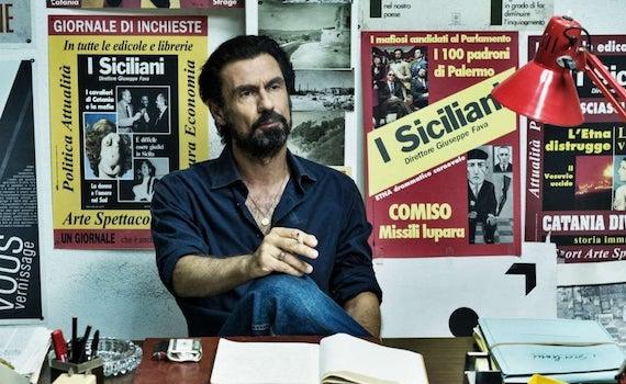 Fabrizio Gifuni restituisce a Pippo Fava tutta la sua integrità, ma senza farne un peana