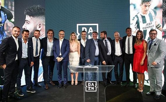 Prima di Dazn con Rushton, Tonoli, Foroni, Leotta, Maldini, Shevchenko e Figo