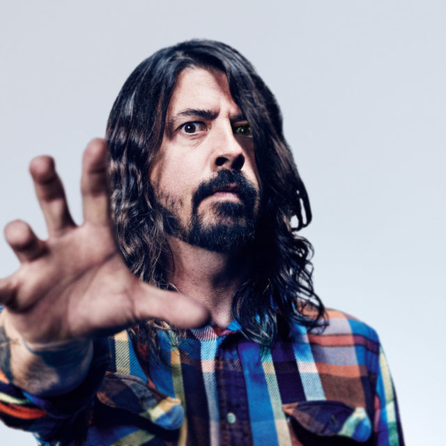 Dave Grohl one man band: fa tutto lui in un nuovo mini-documentario