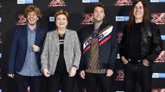 Stasera torna X Factor: sfida in tre manche per i nove concorrenti rimasti in gara