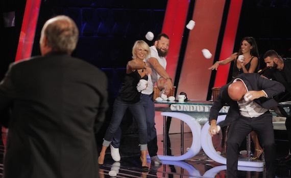 Ascolti Tv 1 dicembre: in sovrapposizione De Filippi stacca Clerici di 3 milioni. Iris batte La7