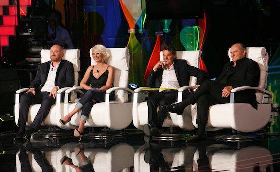 Ascolti Tv sabato 30 novembre: vince Canale 5 con Tu sì que vales
