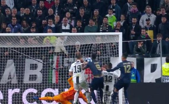 Ascolti Tv 7 novembre tutti i dati: Juve-Manchester U. 7,6 milioni free+pay, Rocco Schiavone 2,7, Sciarelli 2,2
