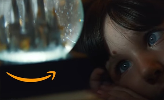 Spot Tv: abbiamo scoperto che Babbo Natale è Amazon