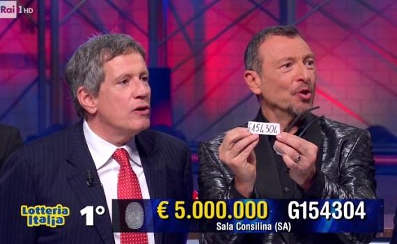 Ascolti tv analisi 6 gennaio: Amadeus fa volare la Lotteria, Cenerentola castiga Canale 5