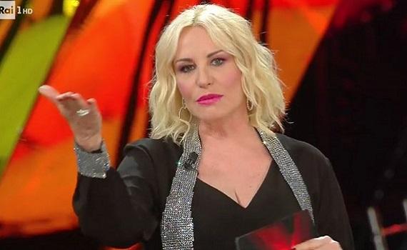 Antonella Clerici: Torno a Sanremo per divertirmi, per me l'emozione sarà diversa, ad Amadeus tremeranno le gambe