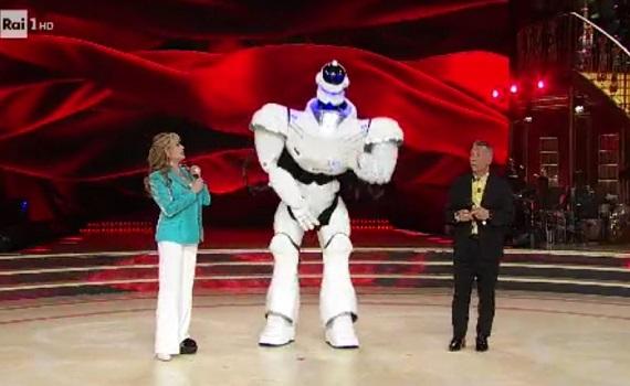Ascolti tv 27 aprile: Ballando con le stelle 3,96 milioni (21,8%), Amici 3,66 (22,7%)