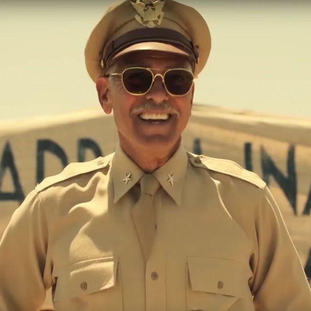 George Clooney: Si può scherzare sulla guerra, come facciamo in Catch-22, ma nessuno può cancellarne l'assurdità