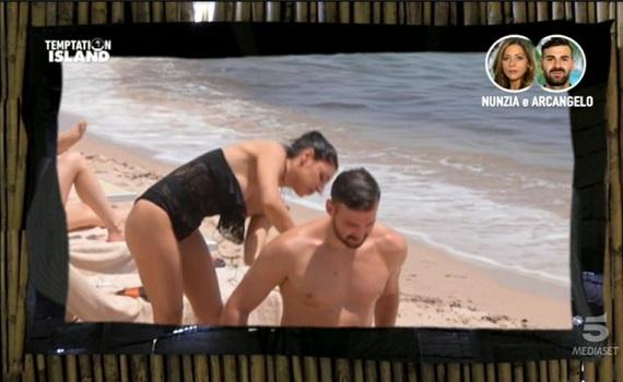 Ascolti Tv 15 luglio vince Temptation Island con il 23,33%