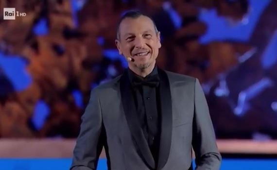 Ascolti Tv 20 novembre vince Una serata di stelle per il Bambino Gesù con il 15,90%