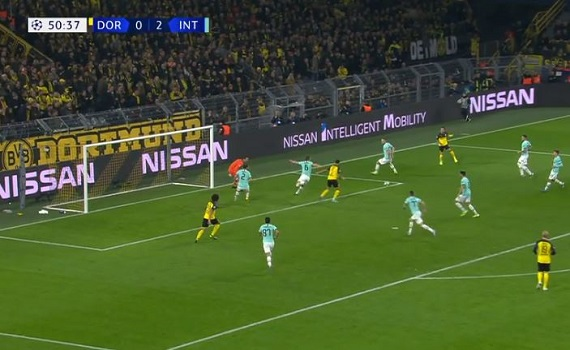Ascolti Tv 5 novembre tutti i dati: Borussia-Inter 4,4 milioni, La nostra terra 2,8 milioni, Collegio boom a 2,5, Iene 1,8. Fiorello a 6,3 mln