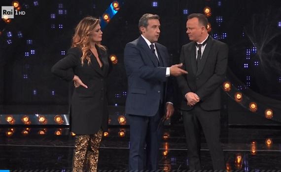 Curve ascolti Tv 6 dicembre: picco di Amadeus e poi di Gigi e Vanessa con Insinna. OK Nuzzi e Crozza