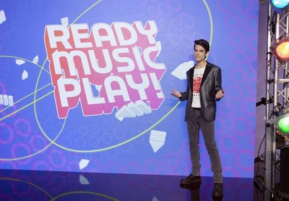 Parte Ready Music Play! su DeAKids: Jody Cecchetto fa la cover del Gioca Joeur del padre
