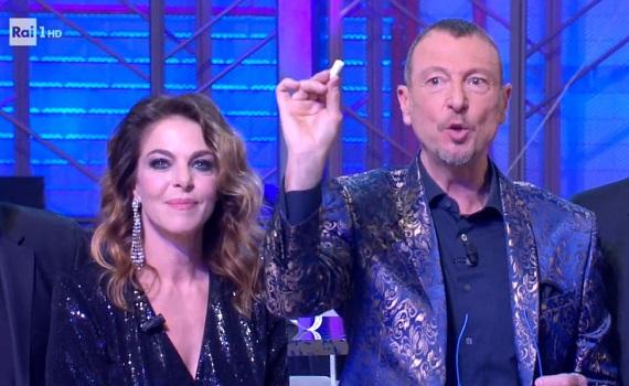 Ascolti tv analisi 6 gennaio: Amadeus domina con Sanremo e Lotteria. Sky batte Canale 5