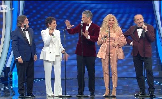 Ascolti tv analisi 5 febbraio, tutto Sanremo minuto per minuto: i picchi di Amadeus e Fiorello. E dei Ricchi e Poveri
