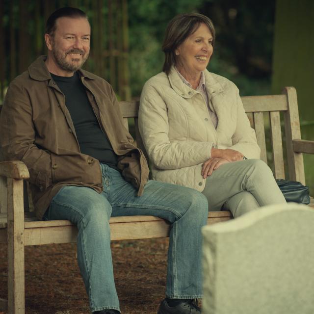 La seconda stagione di After Life,  con Ricky Gervais, sarà disponibile su Netflix dal 24 aprile