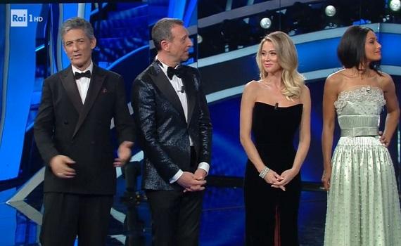 Ascolti Tv 4 febbraio tutti i dati: Sanremo 70 si allunga e fa 10 mln e il 52,2% (share record). Si difende Canale5, Floris sopra 1 milione