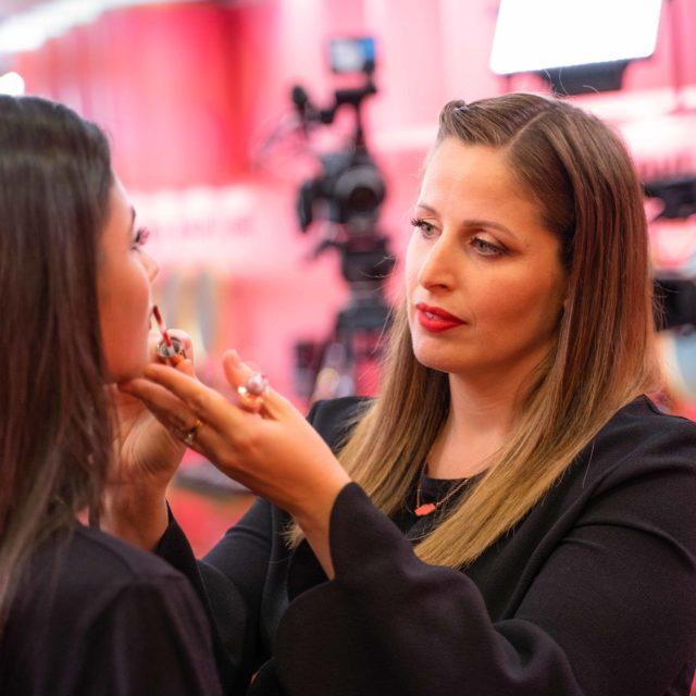 Clio torna da oggi su Real Time con ClioPopup, creando con amici e ospiti il make up speciale per ogni evento