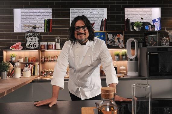 Alessandro Borghese Kitchen Sound diventa social