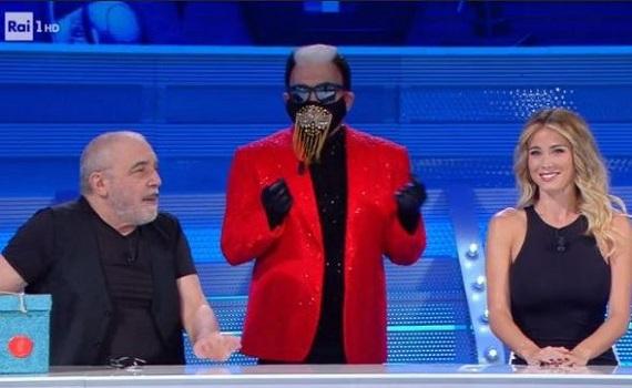 Ascolti tv 19 giugno: Conti batte De Filippi in stra-replica. Crozza (senza Zoro live) supera Nuzzi