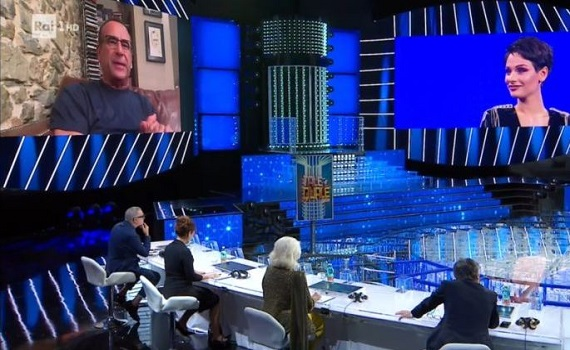 Ascolti tv 13 novembre: Tale e quale cresce con Conti in remoto e batte Signorini che perde un punto. Crozza boom, poi Giacobbo, Nuzzi e Zoro