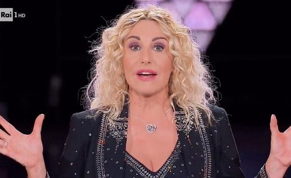 Ascolti tv 4 dicembre: Clerici (The Voice Senior 4,1 milioni 18,9%) batte Signorini (GF VIP 3,3mln e 18,5%). Poi Crozza, Giacobbo, Nuzzi e Zorro, Parodi