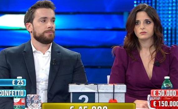 Ascolti Tv 2 gennaio: Affari Tuoi Viva gli Sposi stacca La Vita è bella. Il film di Rai2 sul podio