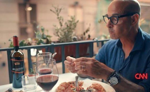 Stanley Tucci racconta l'Italia, da una tavola apparecchiata