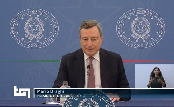 Ascolti tv analisi 22 luglio: Draghi leader con il green pass. Repliche in prime time: Doc batte Tirabassi, Raffa e Maria