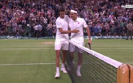 Ascolti tv 5 luglio digital e pay: Wimbledon corre su Sky. E Sonego (con Federer) batte Berrettini. Film prime time, vince 20 con Clooney e Kidman